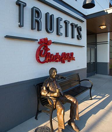 chick-fil-a-truetts-cafe-exterior-sq-statue