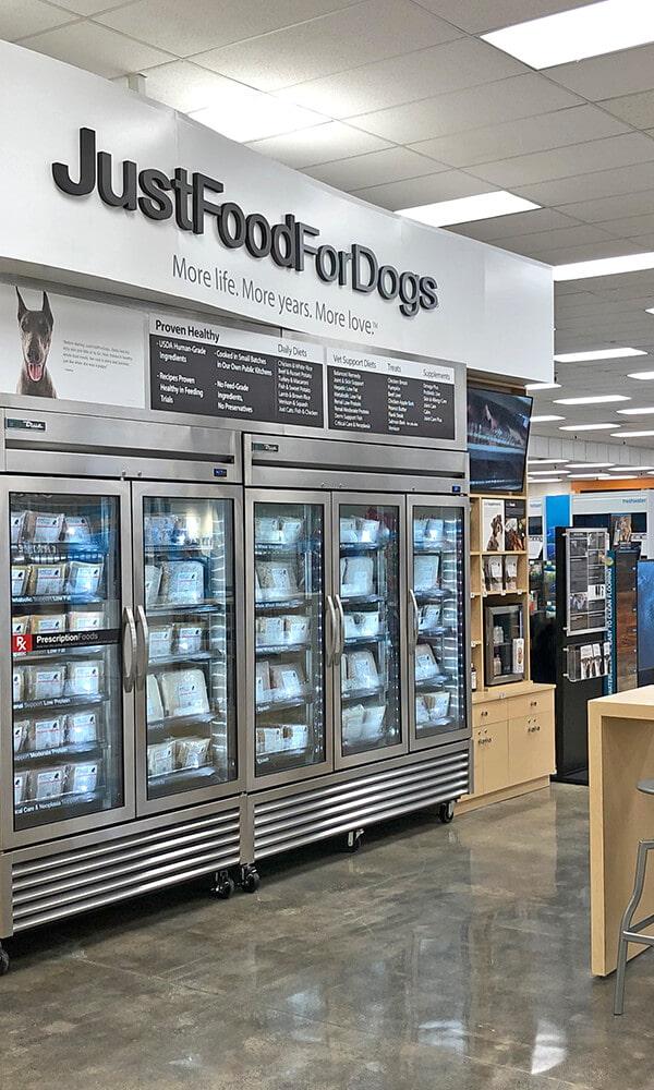 Branded Environments Retail Petco